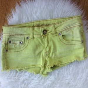 Dollhouse Short Shorts Sz 7 Juniors Neon Green